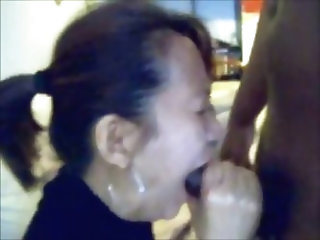 Amateur chinese milf quick blowjob and facial before work
