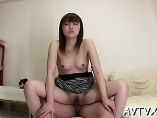 Lovely asian casts a lusty spell with her skilful oral-sex