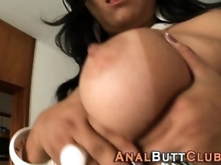 Hot bubblebutt brunette skank
