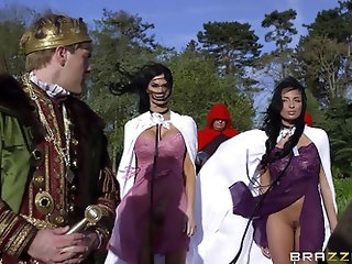 Anissa Kate & Jasmine Jae - Storm Of Kings XXX Parody: Part 1
