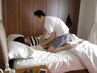 Non-Professional Asian couple make a sextape